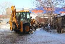 Карталинские коммунальщики вывозят снег